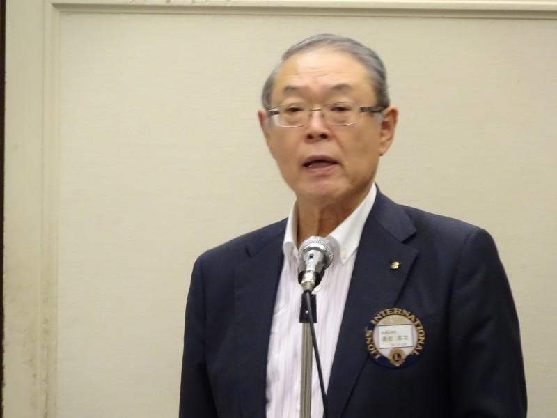 会員副委員長L遊佐による新会員L佐藤明洋の開会宣言